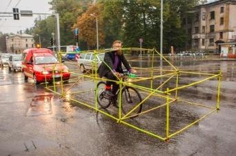 bicicleta ocupa espaço de carro